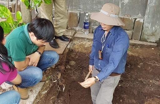 Phat hien nen dat la o khu vuc khao co tim mo Quang Trung hinh anh