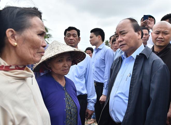Thu tuong Nguyen Xuan Phuc thi sat vung lu Binh Dinh hinh anh 1