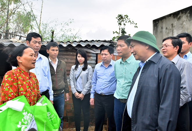 Thu tuong Nguyen Xuan Phuc thi sat vung lu Binh Dinh hinh anh 3
