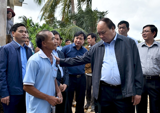 Thu tuong Nguyen Xuan Phuc thi sat vung lu Binh Dinh hinh anh 6