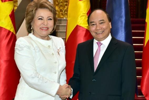 Thu tuong tiep Chu tich Hoi dong Lien bang Nga hinh anh