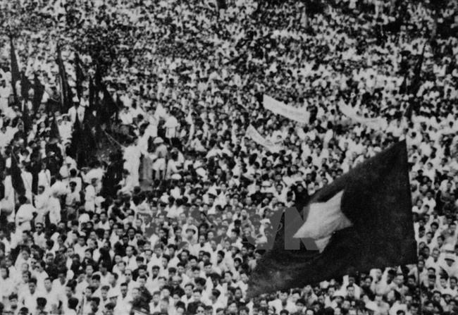 Muoi lam ngay xac tin mot du bao: '1945 Viet Nam doc lap' hinh anh