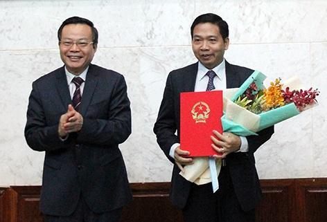 Dieu dong hai Pho bi thu Tinh uy ve Trung uong hinh anh 2