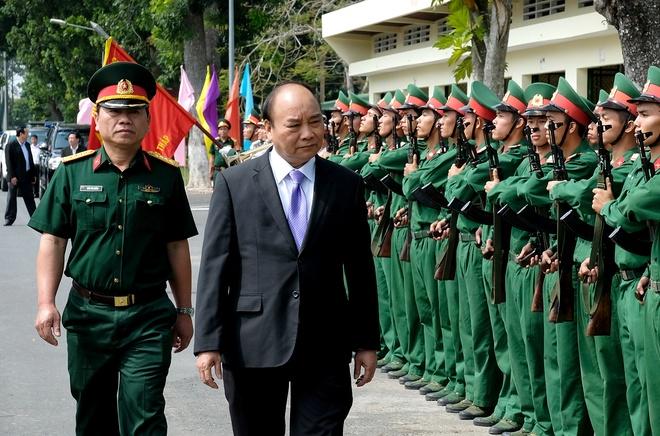 Thu tuong Nguyen Xuan Phuc tham Bo Chi huy quan su tinh Dong Thap hinh anh 1