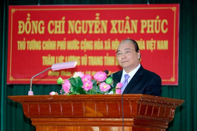 Thu tuong Nguyen Xuan Phuc tham Bo Chi huy quan su tinh Dong Thap hinh anh 2