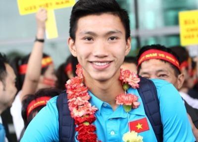 Thai Binh: Un tac nhieu km duong chao don hotboy U23 Doan Van Hau hinh anh