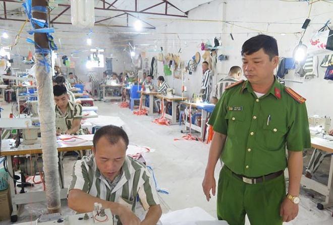 Chuyen nhung nguoi 'thay' o trai giam Vinh Quang hinh anh