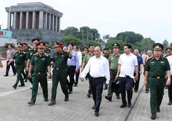 Lang Chu tich Ho Chi Minh mo cua don dong bao tu ngay 16/8 hinh anh