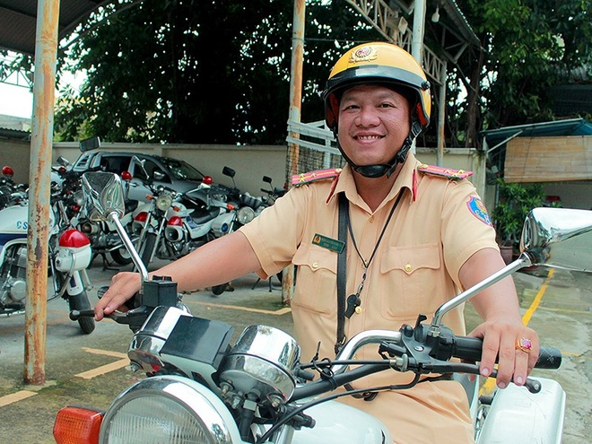 CSGT khong lam ngo truoc trom, cuop hinh anh 2