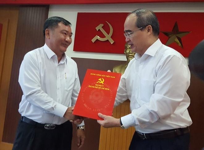 Pho ban noi chinh Tran Van Thuan lam Bi thu quan 2 hinh anh