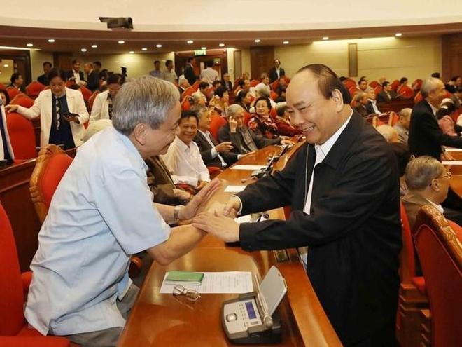 Tong bi thu: 'Lanh dao cap cao nghi huu la cho dua vung chac' hinh anh 2