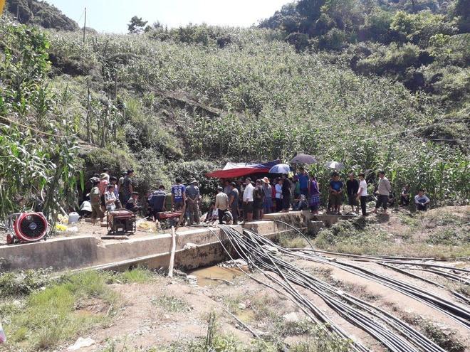 Giải cứu một người dân mắc kẹt trong hang đá 5 ngày