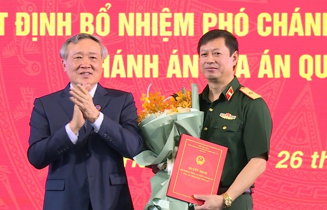 Trao quyet dinh bo nhiem Pho chanh an TAND toi cao hinh anh 1