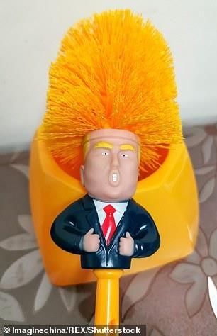 Giấy vệ sinh hình Tổ.ng th.ống Trump đắt hàng ở T.Q