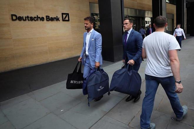 Deutsche Bank bi chi trich anh 1