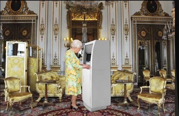 Nữ hoàng Anh có cây ATM riêng để rút tiền mặt