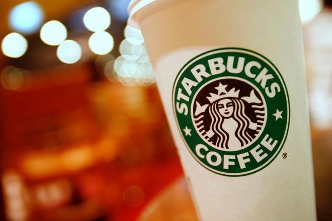 Ca phe Starbucks bi nguoi bieu tinh Hong Kong tay chay hinh anh 1