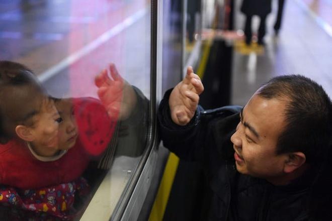 Hang tram trieu dan Trung Quoc bat dau ve que an Tet hinh anh 9 08.jpg