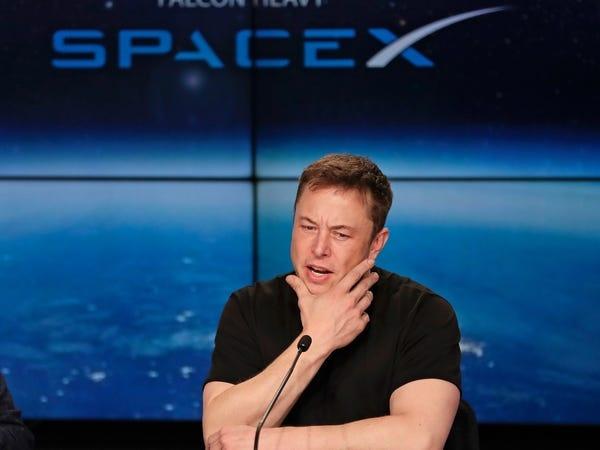 cuoc doi dau Elon Musk - Jeff Bezos anh 9