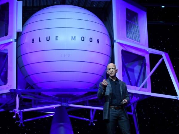 cuoc doi dau Elon Musk - Jeff Bezos anh 11
