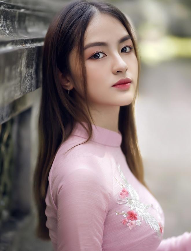 Dai hoc Ngoai thuong anh 9