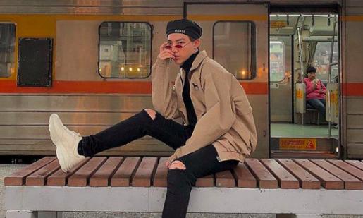 Chi Dan, Son Tung M-TP me sneakers trang hinh anh