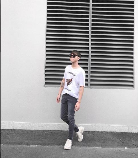 Chi Dan, Son Tung M-TP me sneakers trang hinh anh 11