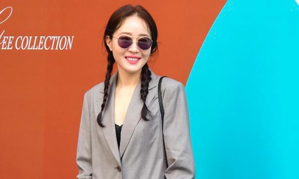 Sao nu Han me man suit quyen luc tai Tuan le Thoi trang Seoul 2018 hinh anh