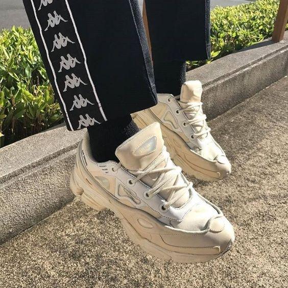 20a72b4cbfc549 6 xu hướng giày sneakers cho nam gây bão trong năm nay - Mặc đẹp ...