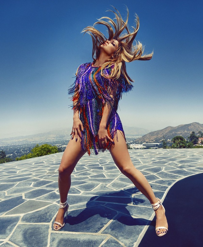 Bi quyet gi khien Jennifer Lopez 48 tuoi van hut hon nhu the? hinh anh 6