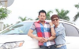 Long Nhat duoc 'ban trai Viet Kieu' cho di choi 20/10 hinh anh