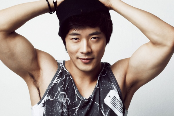 Kwon Sang Woo van khoc khi xem 'Nac thang len thien duong' hinh anh