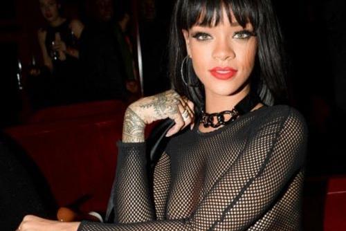 Nhung bo vay gay tranh cai cua Rihanna hinh anh