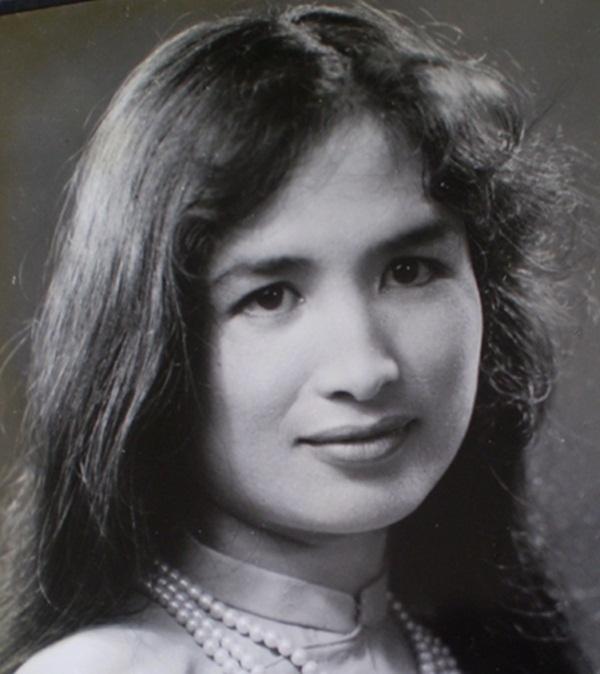 Không chỉ tài năng, Trà Giang còn được biết đến như người đẹp có nhan sắc xuyên thế kỷ.