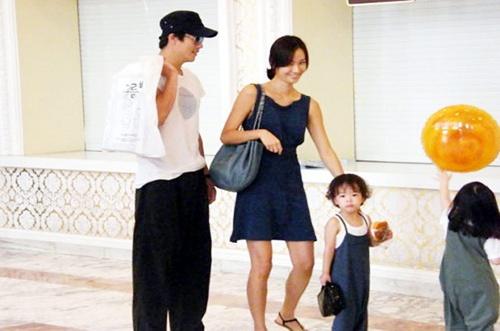 Dien vien 'Nac thang len thien duong' ngay ay - bay gio hinh anh 5 Gia đình hạnh phúc của Kwon Sang Woo.