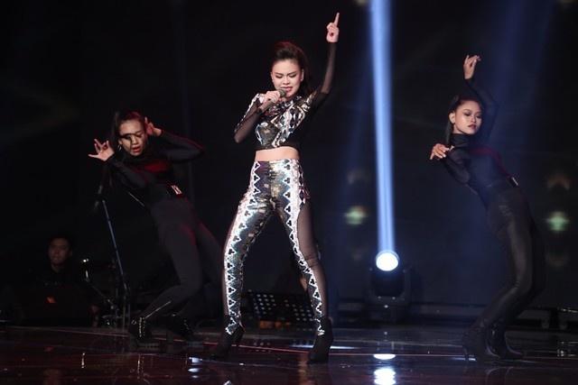 """X-Factor 2014: Khan gia xem gi ngoai giong hat hinh anh 2 Giang Hồng Ngọc """"bị"""" cho là có phong cách trình diễn và ngoại hình khá giống huấn luyện viên của mình"""