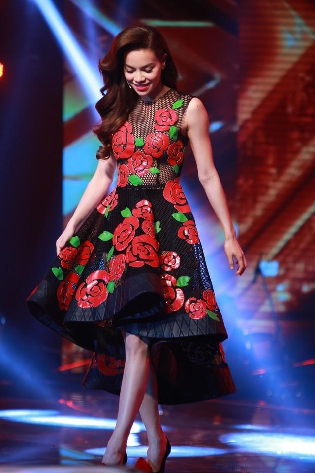 X-Factor 2014: Khan gia xem gi ngoai giong hat hinh anh 3 Nữ giám khảo gây ấn tượng với gu thời trang đẳng cấp và tinh tế.