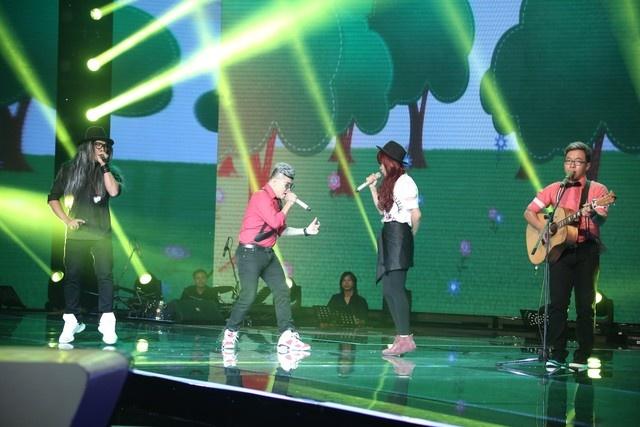 """X-Factor 2014: Khan gia xem gi ngoai giong hat hinh anh 5 F-Band nhận được nhiều lời khen ngợi từ các vị giám khảo bởi sự """"độc"""" và """"lạ""""."""
