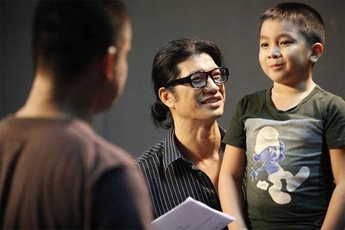 Bé Ben có tên thật là Nguyễn Hoàng Quân, sinh năm 2004. Dù mới học tiểu học, nhưng Ben đã tham gia trên dưới 10 phim truyền hình và 5 phim điện ảnh.