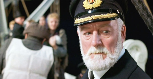 Dan sao Titanic gio di dau, ve dau? hinh anh 23 Bernard Hill trong vai thuyền thưởng Edward John Smith.