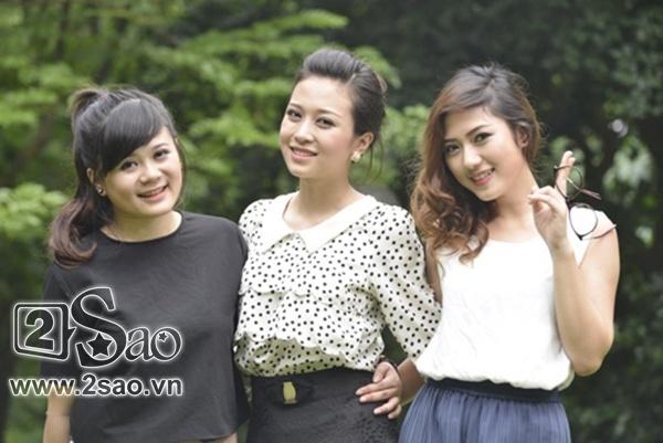Vào vai 3 cô con gái của NSƯT Công Lý (vai ông Lâm) trong phim Khi đàn ông góa vợ  bật khóc là 3 nữ diễn viên trẻ cùng tên Trang: Trang Moon  - Quỳnh Trang -  Thu Trang  (từ trái sang phải).