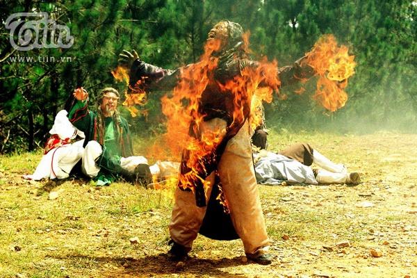 Ven man bi mat nghe dien vien dong the hinh anh 5 Một trong những cảnh quay mạo hiểm nhất của nghề cascadeur.