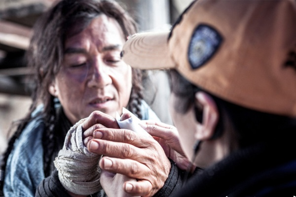 Thanh Long: 'Chi thoai mai khi ve nha voi vet thuong' hinh anh