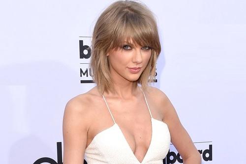 Sao dua nhau ho bao tren tham do Billboard hinh anh