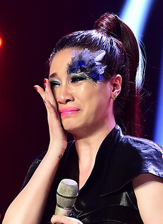 Luat ngam nghiet nga dang sau gameshow Viet hinh anh 2 Pha Lê rơi nước mắt trong chương trình Nhân tố bí ẩn.