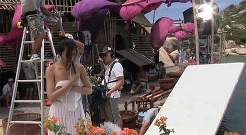 Hình ảnh thay đồ bị chụp lén từng gây phiền toái cho Tăng Thanh Hà