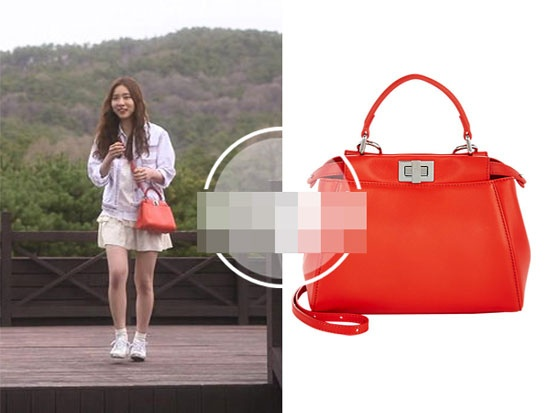 Boc gia hang hieu cua my nhan Han trong phim hinh anh 4 Túi đeo màu đỏ trẻ trung, xinh xắn hiệu Fendi. Được biết chiếc túi này có giá khoảng gần 80 triệu đồng.