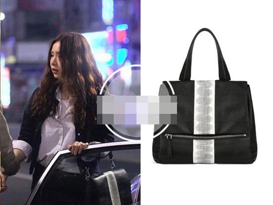 Boc gia hang hieu cua my nhan Han trong phim hinh anh 5 Túi đen Givenchy có giá khoảng gần 71 triệu đồng.