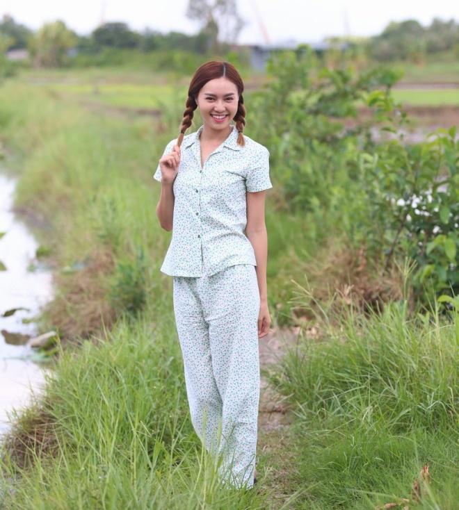 5 bi mat cua Ninh Duong Lan Ngoc hinh anh 1 Lan Ngọc xinh tươi với hai bím tóc.