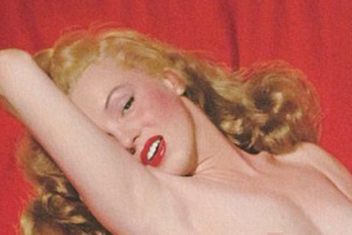 Trien lam anh nude nam 22 tuoi cua Marilyn Monroe hinh anh